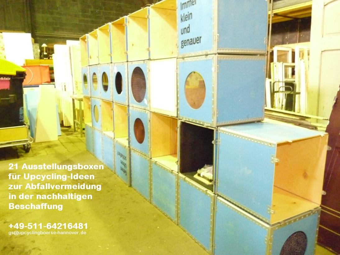 Ausstellungswand der Upcyclingboerse Hannover in der Bauteilboerse Hannover