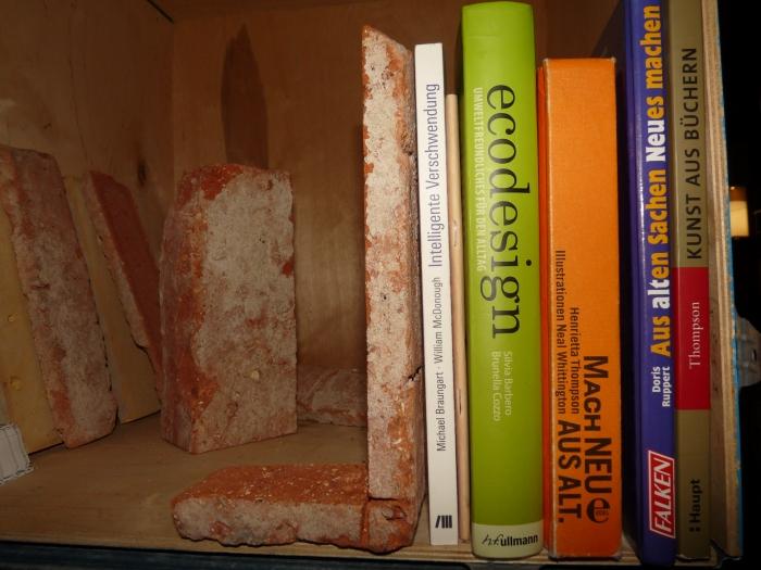 antik-stein-ziegel-zielgelstein-riemchen-buchstuetze2