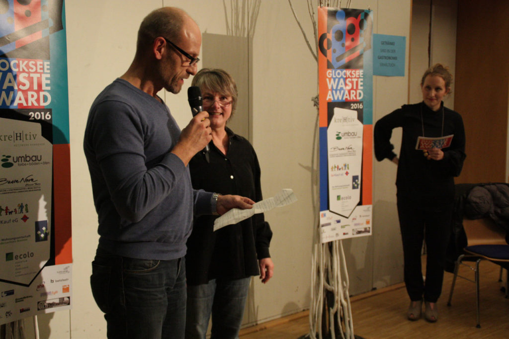 Laudator Udo Büsing, Sabine Brandt, Imke Axmann, Moderatorin, Foto: Carolina Koerber