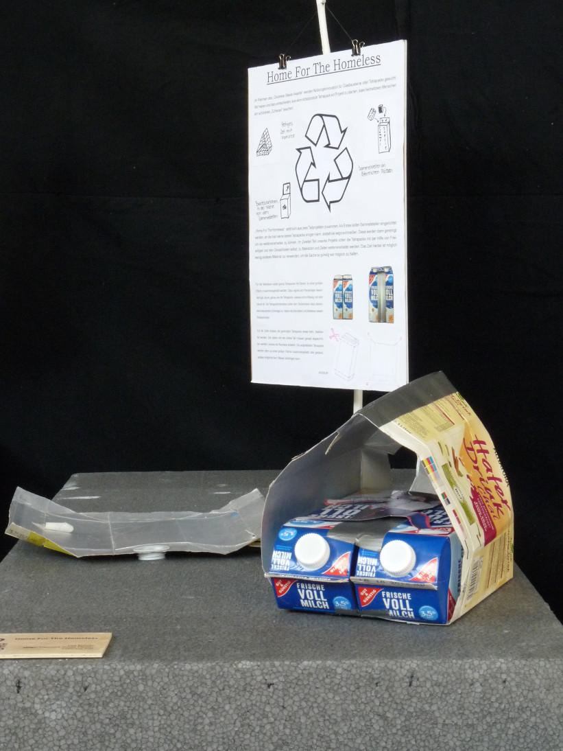 Kleines Haus aus Getränkeverpackungen