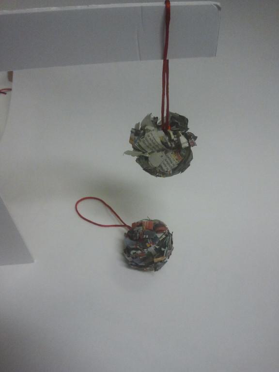 Weihnachtskugeln aus Papier, Idee Emi,
