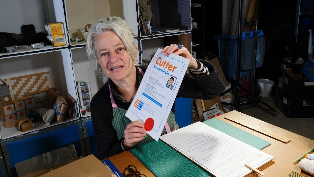 cutter, fuehrerschein, poster, Antonia jacobsen,-getraenkekarton-upcyclingboerse-hannover-glocksee-waste-award.jpg